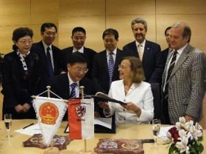 Unterzeichnung Partnerschaft